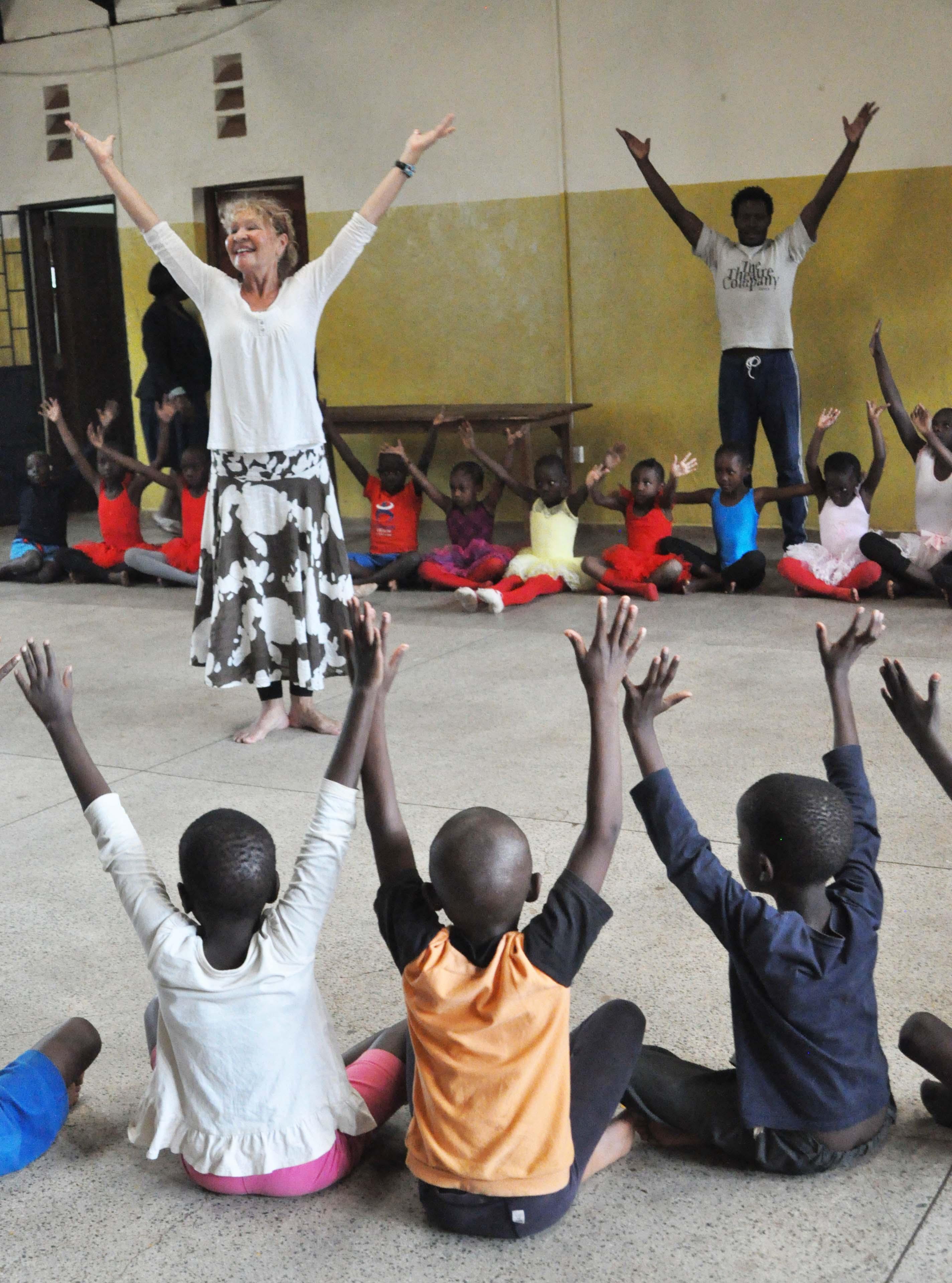 anna-teaching-dance-KAG