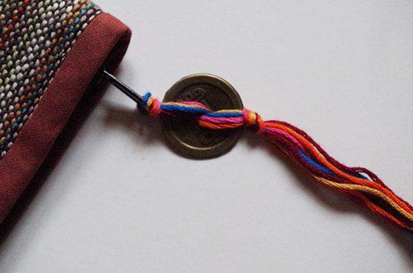 Mai-Vietnamese-Purse-textile-coin-detail