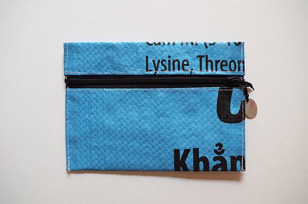 Bustina-plastica-riciclata-azzurro-mai-vietnamese